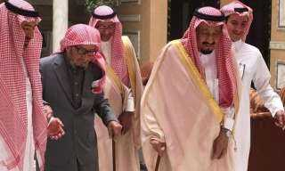 وفاة الشيخ ناصر بن عبدالعزيز مستشار الملوك بالسعودية بعد صراع مع المرض