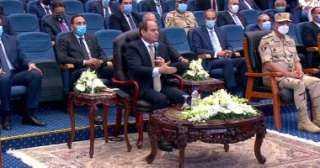 الرئيس السيسي: الدولة تنفذ المشروعات من خلال إمكاناتها ونرحب بالمستثمرين